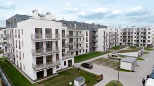 Budynek ze 124 lokalami mieszkalnymi zlokalizowany przy ul. Batalionów Chłopskich 79 w jednej z najdynamiczniej rozwijających się dzielnic Warszawy – na Bemowie.